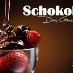 Erdbeerbecher mit Schokolade übergossen