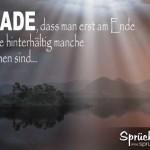 mystische Landschaft mit Spruch über manche Menschen