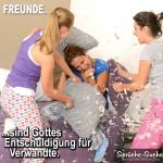 3 Frauen machen eine Kissenschlacht