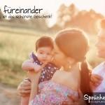 Glückliche Familie - Vater, Mutter und Kind