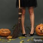 Happy Halloween Sprüche mit Hexe und Besen