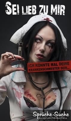 Blutverschmierte Horror-Krankenschwester mit blutiger Spritze