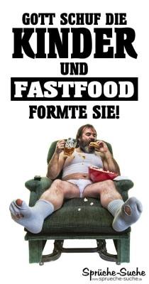 Dicker verwahrloster Mann auf Sessel ist Fastfood wie Burger und Popcorn