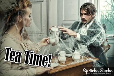 Its Tea Time - Spruchbild mit Mann und Frau, eingewebt mit Spinnenweben