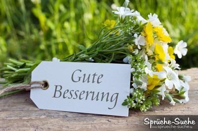 Blumenstrauß mit einem Schild Gute Besserung