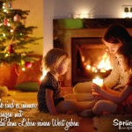 Mutter und Kinder vor Kamin und Weihnachtsbaum Spruchbild