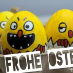 Frohe Ostern Spruchbild - Lustige bemalte Eier