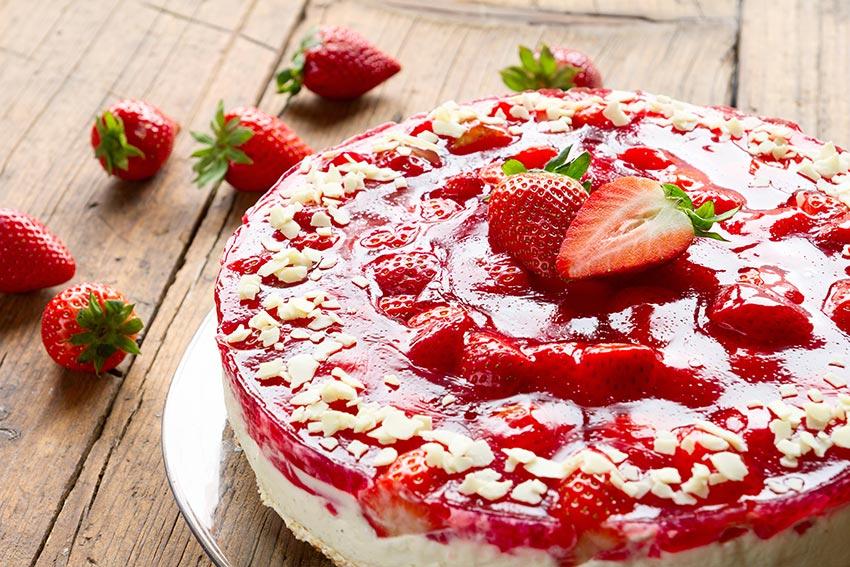 Erdbeerkuchen mit frischen Erdbeeren