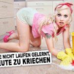 Junge hübsche Frau im sexy Outfit mit in rosa High-Heels putzt die Küche