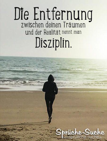 Disziplin Sprüche Sport und Träume - Frau joggt am Strand