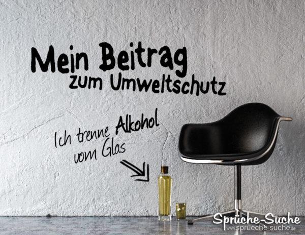 Leerer Raum mit Stuhl und Alkohol (Schnaps)
