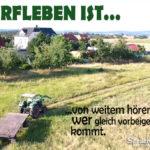 Landwirt auf dem Traktor - Spruch Dorfleben