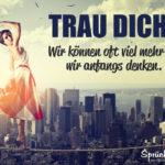 Frau auf dem Hochseil - Motivation Spruch - Trau dich